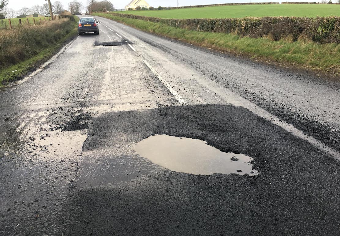 hamiltonsbawn Road Armagh pothole